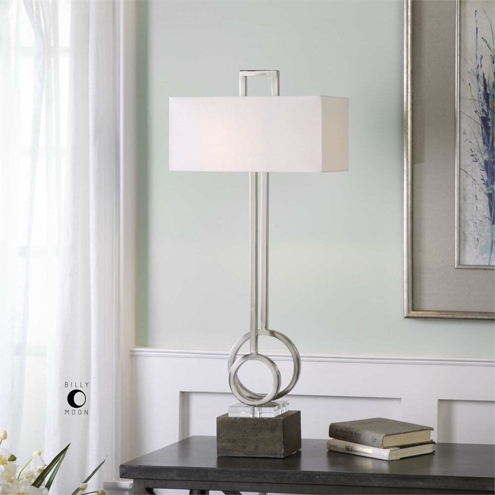 Deshka Lamp