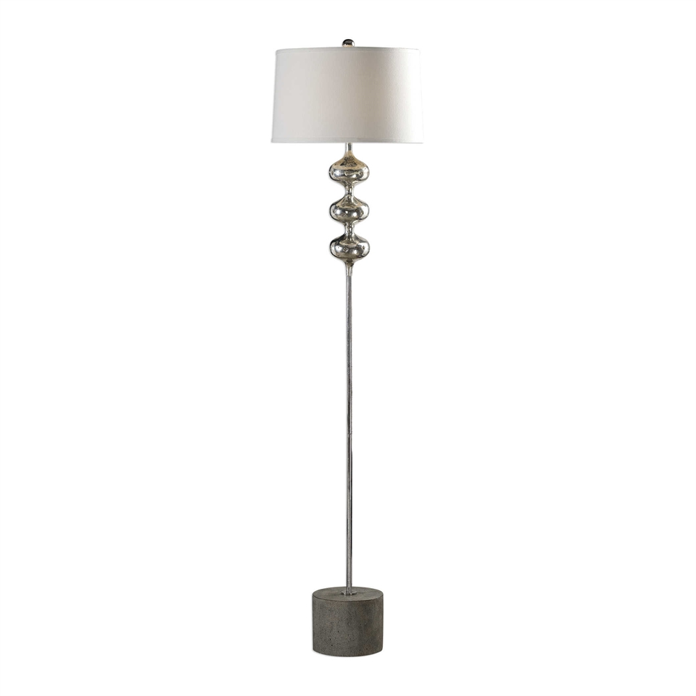 Cloelia Lamp